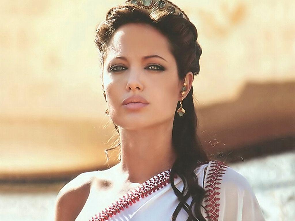 Net worth of Angelina Jolie