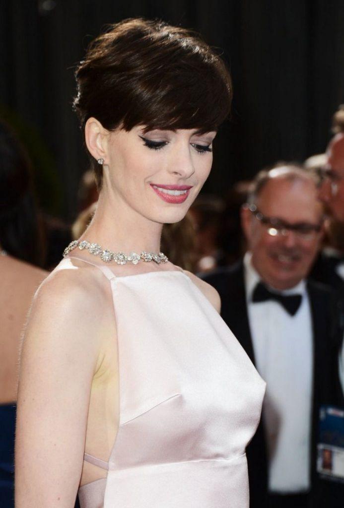 Net worth of Anne Hathaway