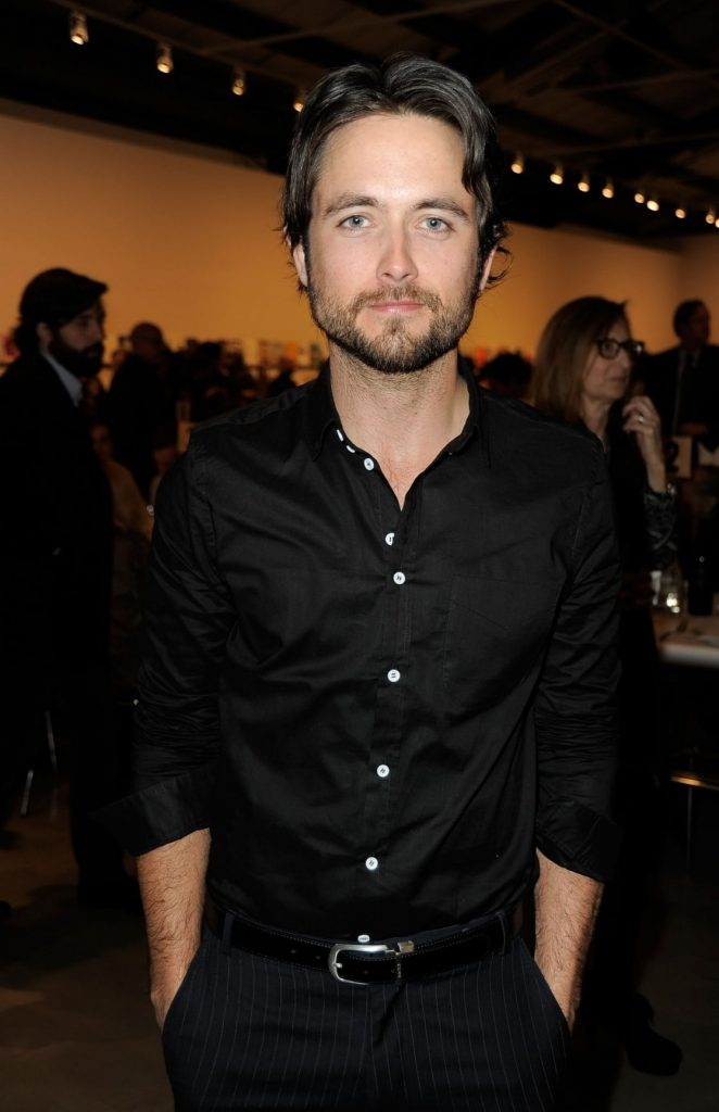 Net Worth of Justin Chatwin